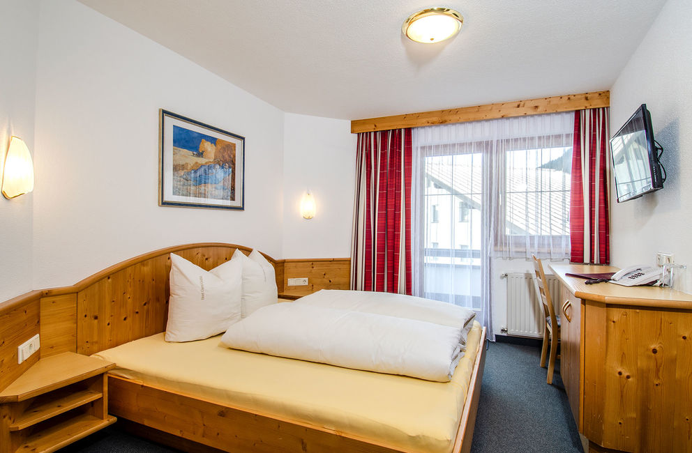 Double room with balcony - Ischgl Hotel Garni Golfais